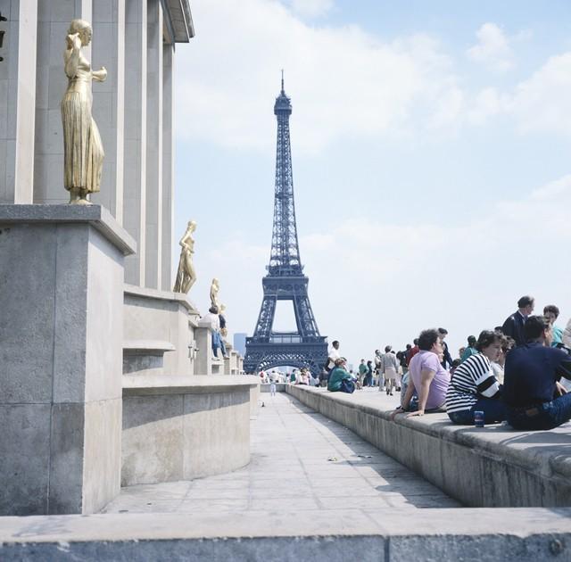 munaa niin suuri kuin Eiffel-torni